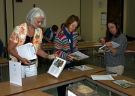 Master Gardeners learn how to identify pests during the Advanced IPM workshop in Cupertino.